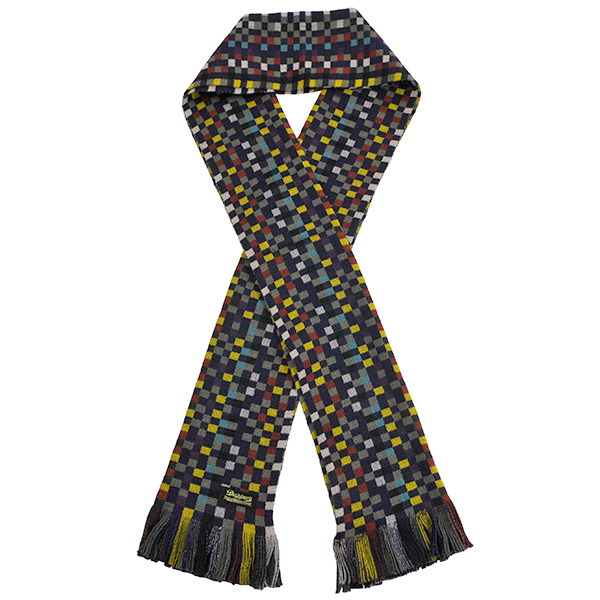 7h_02b_dap_geometry_woolen_scarf03