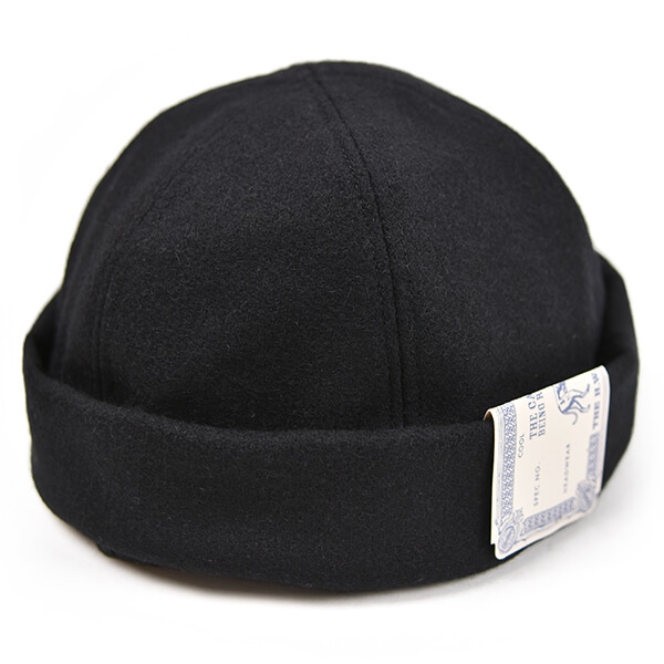 7a_03b_dog_fishcap1